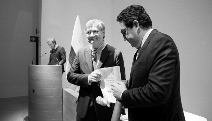 E' Un Onore Contribuire Allo Sviluppo Della Colombia